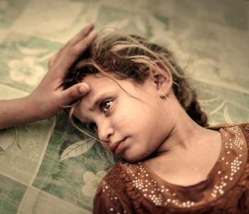 El primer premio en la categoría 'Gente'. La niña Maha, de 5 años, durante su huida del Estado Islámico.