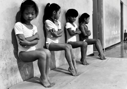 El segundo premio en la categoría 'Vida cotidiana' es una fotografía sacada en una escuela de gimnasia en Xuzhou, China.